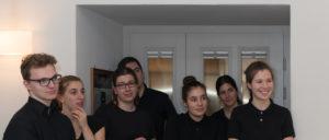 Die junge Service-Crew